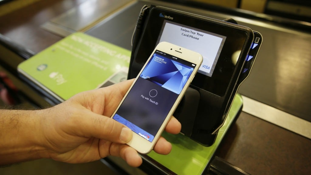 Apple Pay launches in Canada