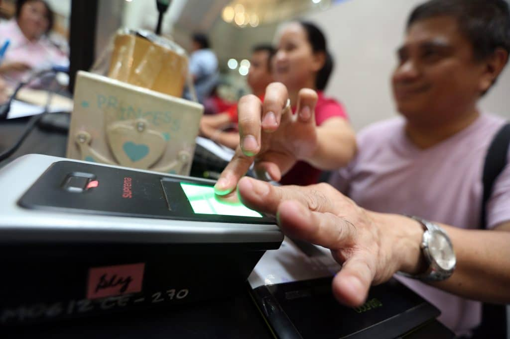 Congress, states don't seem inclined to incorporate biometrics in new voting technologies