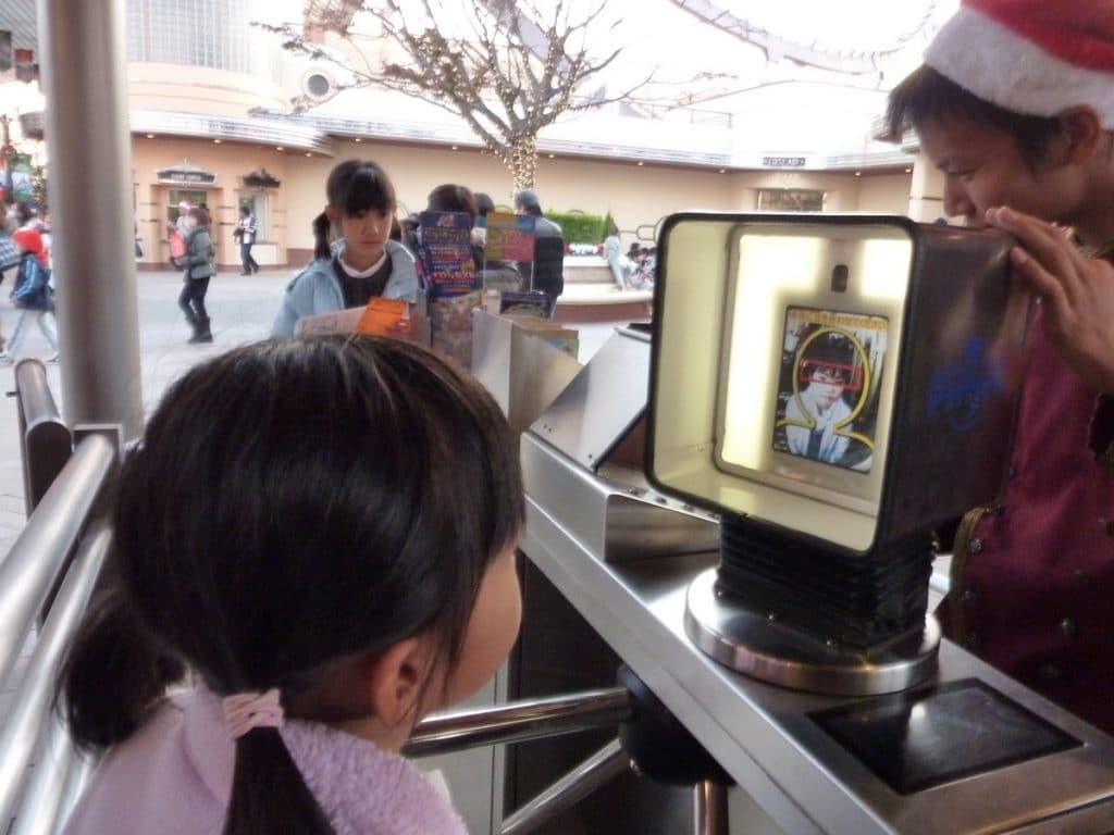 The future of facial recognition technology in theme parks and attractions