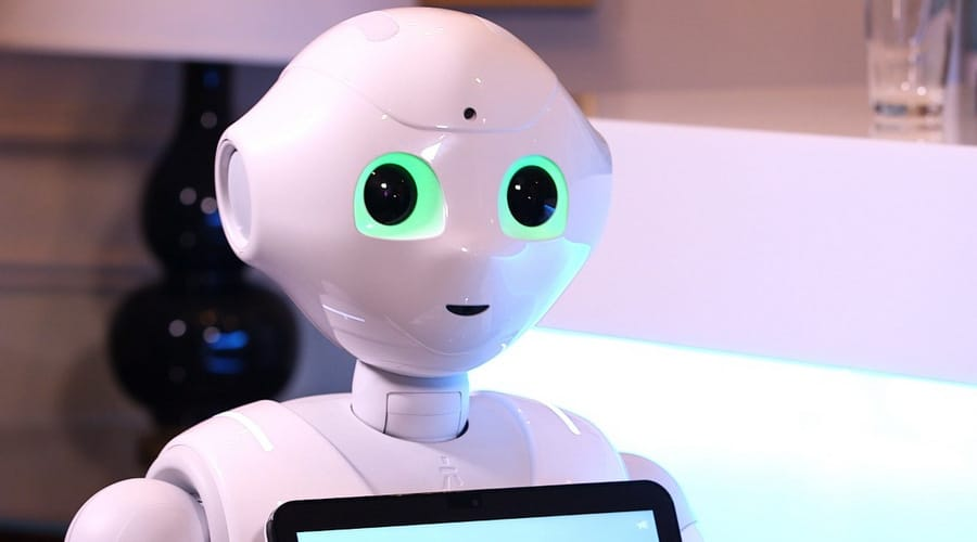 Humanoid smart robots use facial recognition, NLP to entertain event guests, astronauts, kids