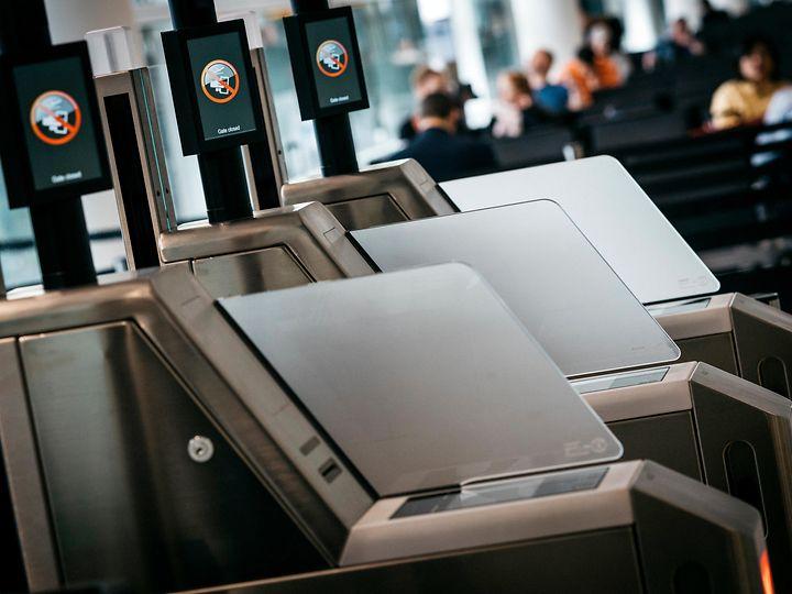 dormakaba biometric boarding gates heathrow