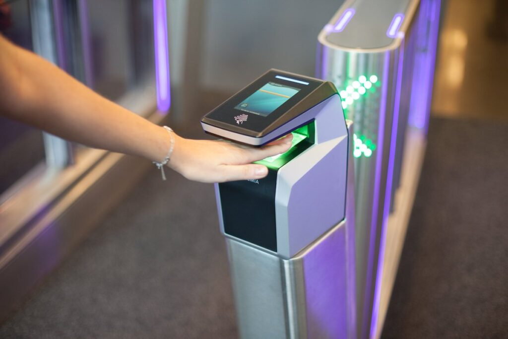 Arana Security develops contactless 3-in-1 biometrics system for large events