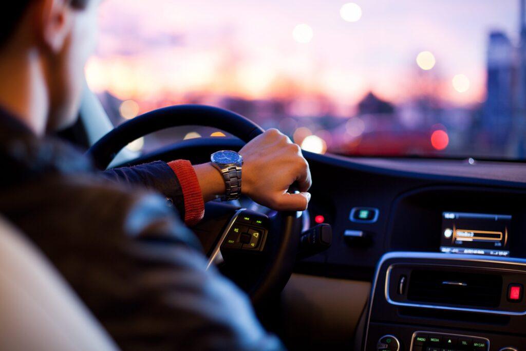 Automobilhersteller stellen Biometrie-Pläne vor: Irissystem für Rückspiegel, Herzschlag  Erkennung, Gesichtserkennung für jeden Sitz usw.