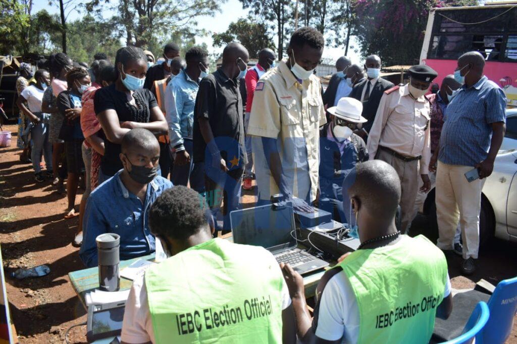 肯尼亚在2022年投票前开始生物识别登记,目标是700万新选民